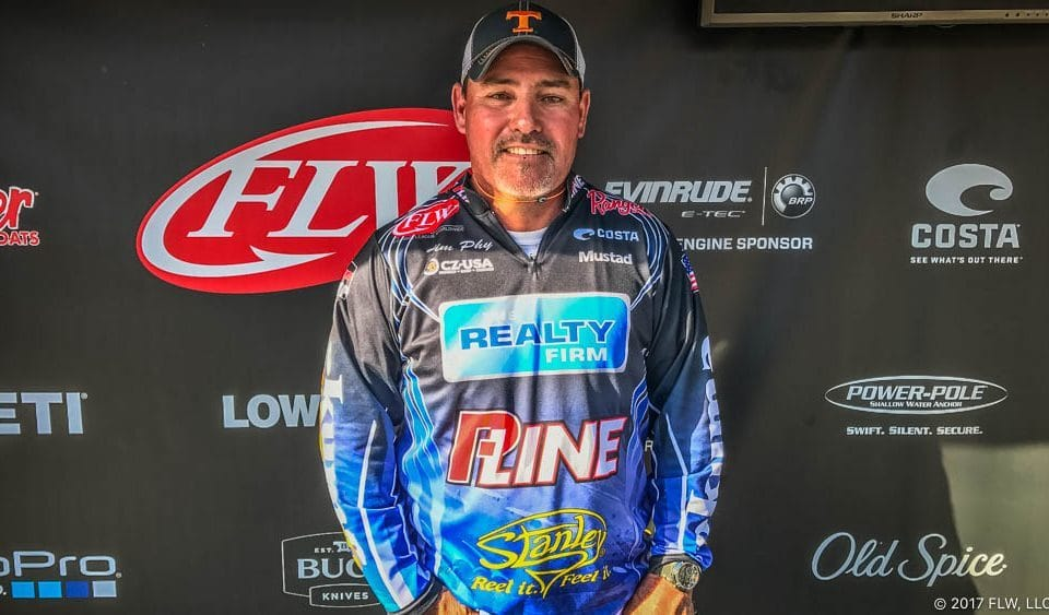 PHY WINS T-H MARINE FLW BASS FISHING LEAGUE MUSIC CITY DIVISION OPENER ON CENTER HILL LAKE