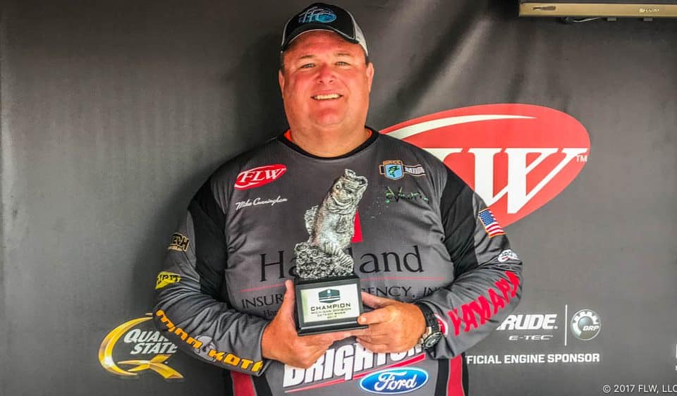 MIKE CUNNINGHAM WINS T-H MARINE FLW BFL MICHIGAN DIVISION OPENER ON DETROIT RIVER