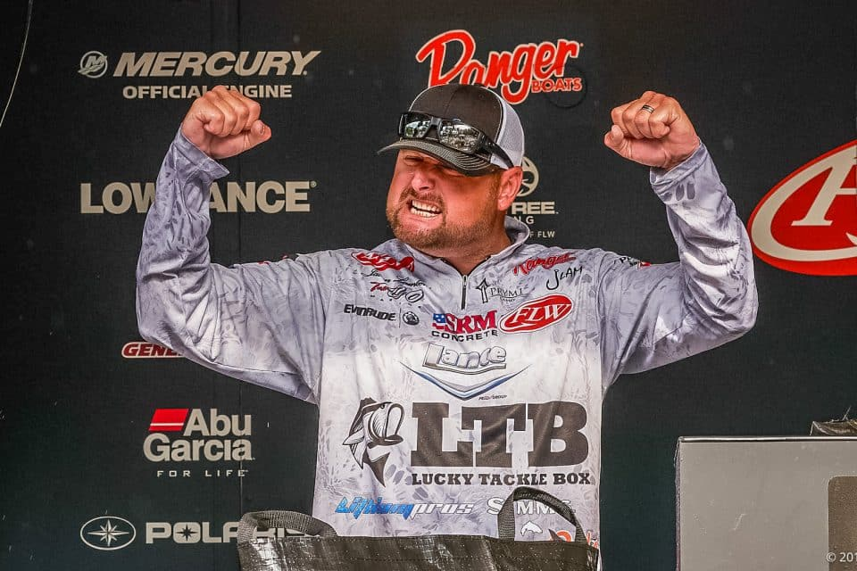 LAMBERT SHATTERS RECORDS, WINS FLW TOUR AT KENTUCKY LAKE PRESENTED BY COSTA SUNGLASSES