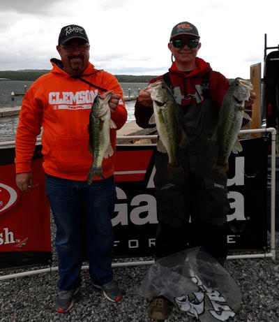Thasher & Thrasher win Fishers Of Men Tournament Trail Hartwell Event with 3 fish for 9.16 pounds!