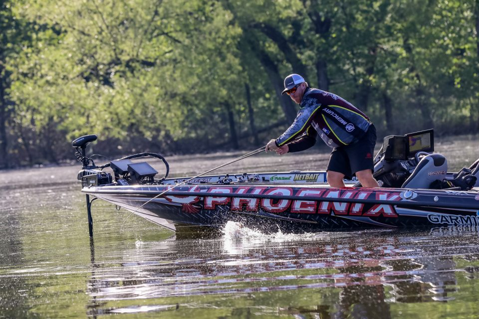 Table Rock Lake, Greg Vinson Show Out on Shotgun Round Day 1  at Bass Pro Tour Berkley Stage Six Presented by TrueTImber