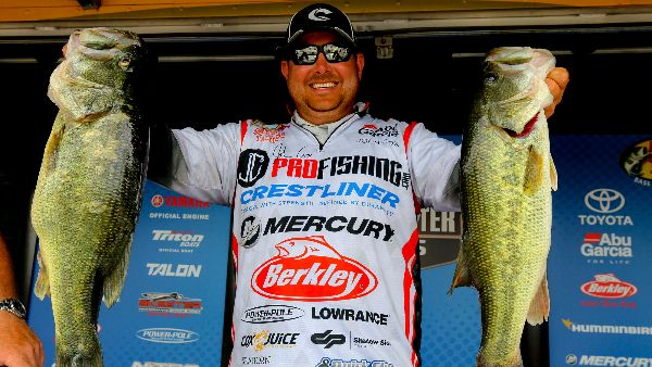 John Cox Extends His Lead In Bassmaster Open On Lake Chickamauga
